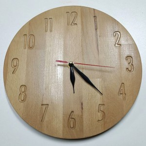 Часы из бука
